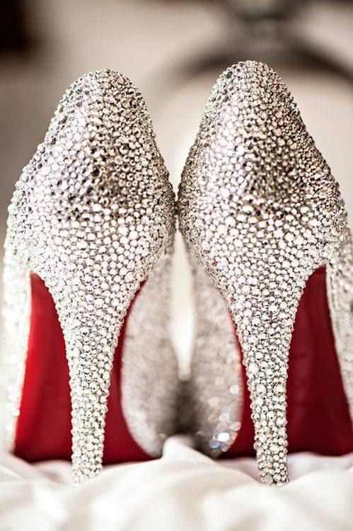 Bayan Pullu Ayakkabı Modelleri